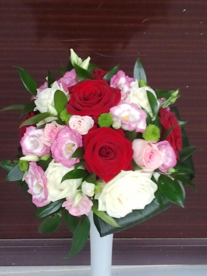 Un Buchet De Flori Related Keywords & Suggestions - Un ...