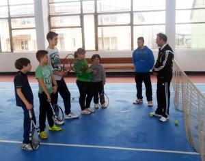 """Tenis de vara"", la Clubul Romgaz"