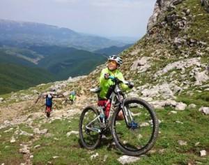 Andrei Strava: La doar 14 ani a urcat 4Munti pe bicicleta